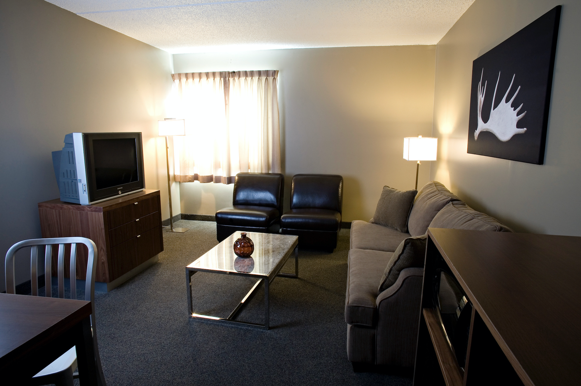 Moose Jaw Hotels With Jacuzzi Suites